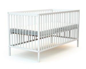 Grand lit bébé en bois laqué blanc